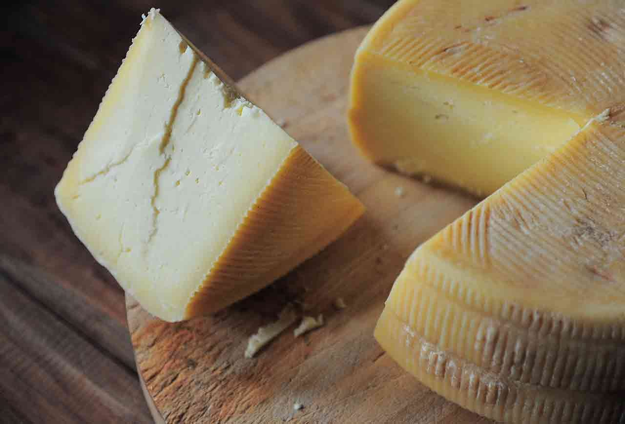 5-Low-Fat-Cheese-Options-1280x870.jpg